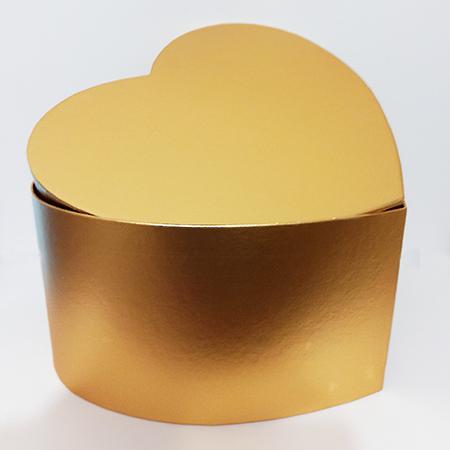 Коробка в форме сердца золотая