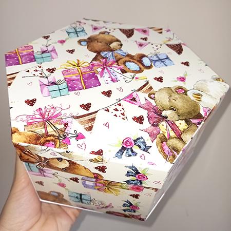 Коробка картонная шестигранная для живых бабочек