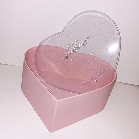 Коробка сердце розовое с прозрачной крышкой для живых бабочек